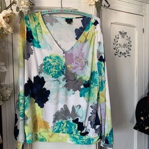 Floral blouse with band at bottom